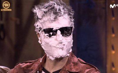 Ernesto Sevilla se embadurna la cara de espuma y explica el 'Síndrome de la Moncloa'