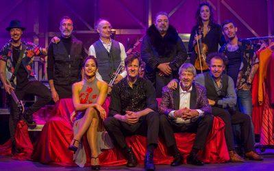 Edu Soto triunfa con su padre y su esposa en el corazón de Madrid con el espectáculo 'Post!'